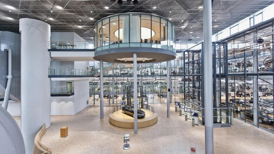 Marios Joannou Elia: STROPHES (2003/04) - The Volkswagen Transparent Factory in Dresden (Photo © VW Dresden)