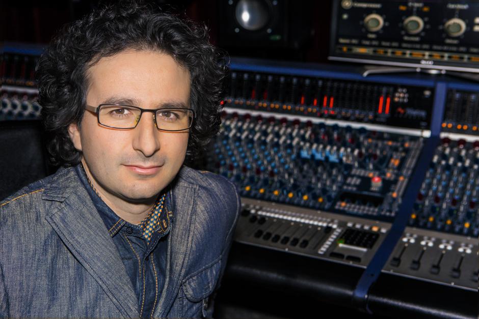 Marios Joannou Elia at Oxford Studio (Photo © Kostis Nikolas, 2014)