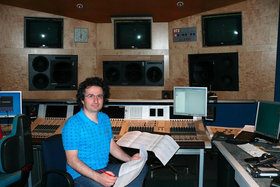 Marios Joannou Elia at ORF RadioKulturhaus Studio (Photo © Aesthis Records)