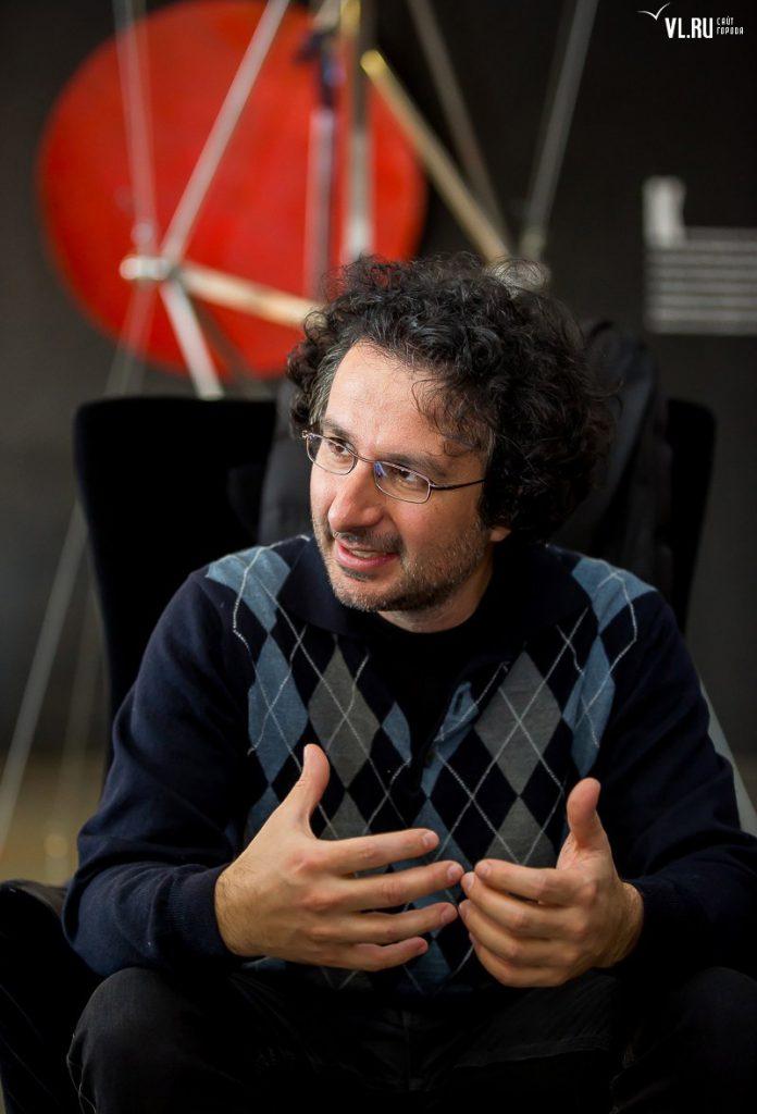 Marios Joannou Elia VL.RU, Vladivostok