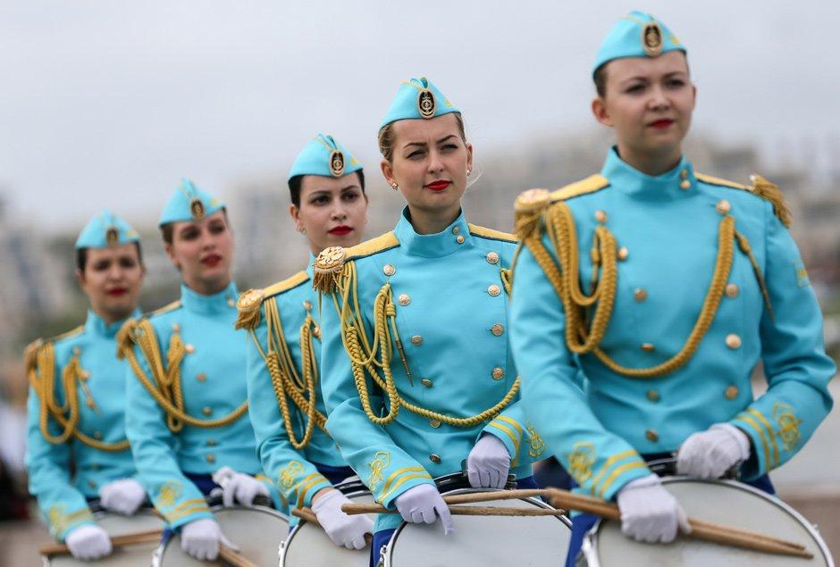 Marios Joannou Elia: Sound of Vladivostok, Navy Snare Drum Squad